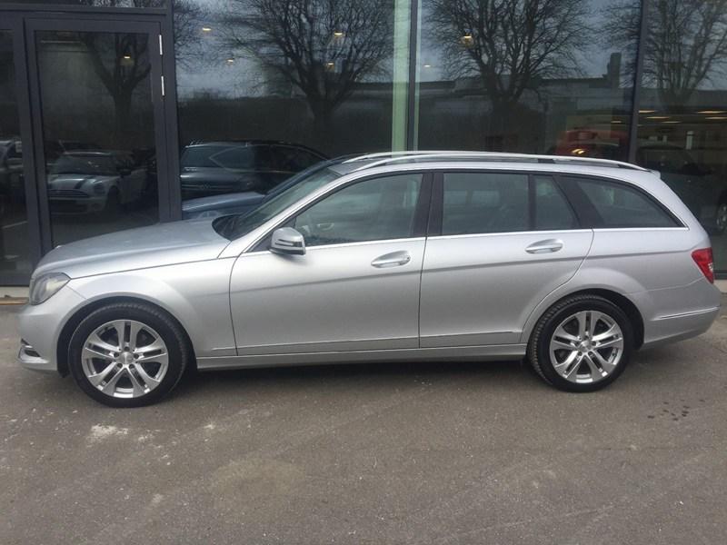 Privatleasing af Mercedes C220 CDi Avantgarde st.car aut. BE fra kun 5.665 Kr./md. hos LeasingCar.dk